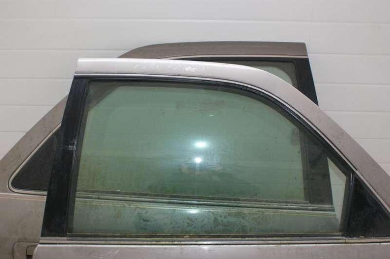 Стекло боковой двери, toyota camry v40, стекло двери правое перед toyota camry (v40) 3.5, б/у